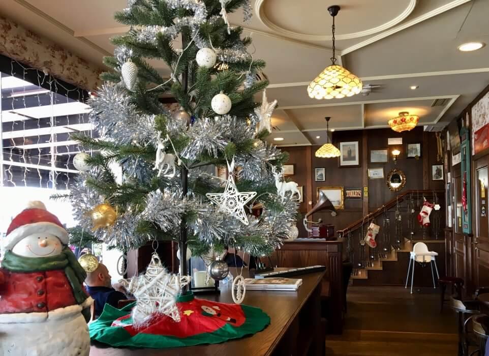 arbol de navidad puerto banus 2 962x700 - Fêtez Noël à Puerto Banús