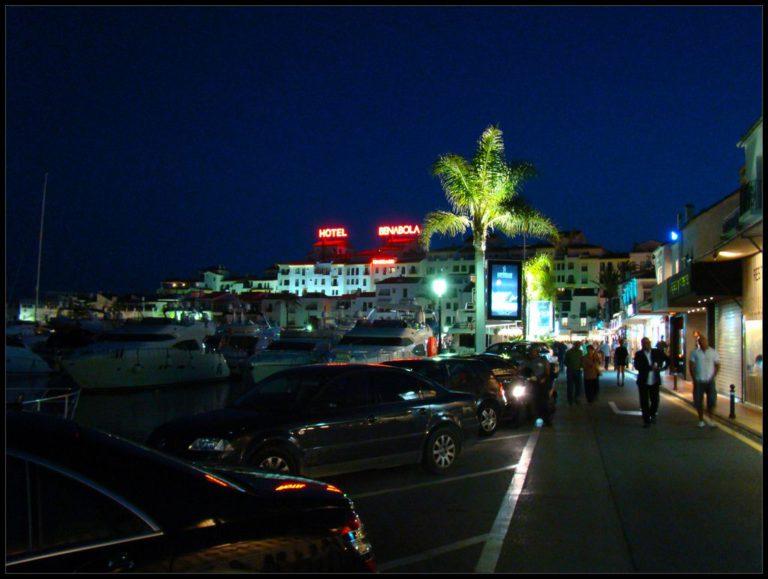 Puerto Banús de noche